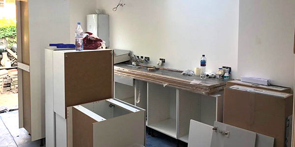 Kitchen fitter in Hampton
