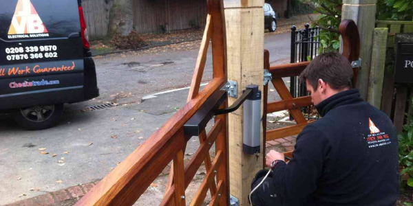 Home Gate fitting Surrey